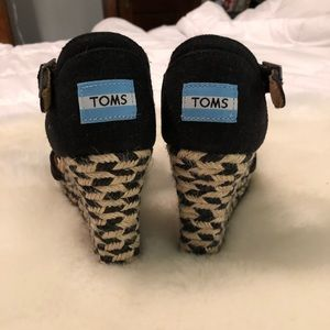 TOMS Checkered Wedges